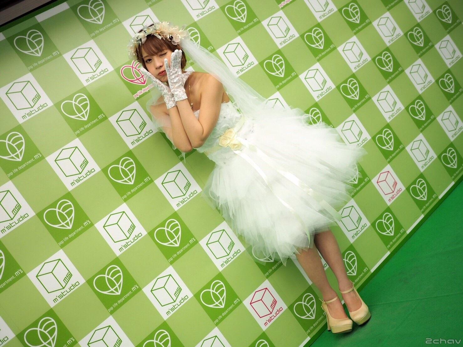 桃乃木かな015