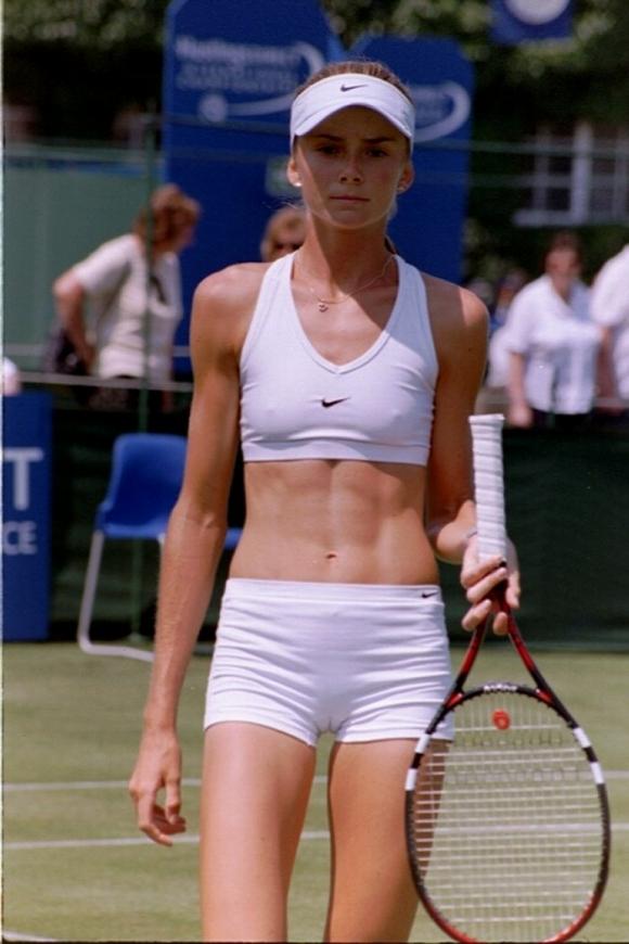 女子プロテニス選手のおっぱいが相当エロいと話題な件!wwwwwww009_20161002020442f1a.jpg