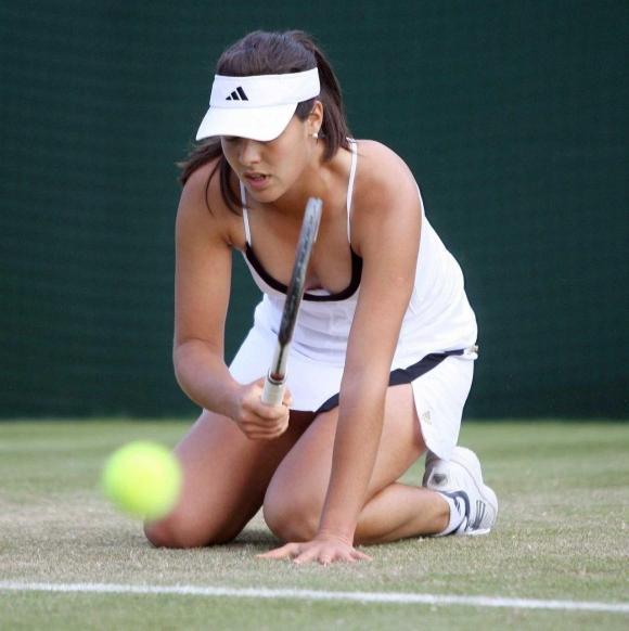 女子プロテニス選手のおっぱいが相当エロいと話題な件!wwwwwww017_201610020205542b1.jpg