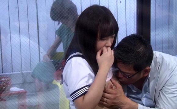 【エロ動画】再婚相手の連れ子JKと愛ある相性チェックでまさかの中出しSEX!01_2016091212142392c.png
