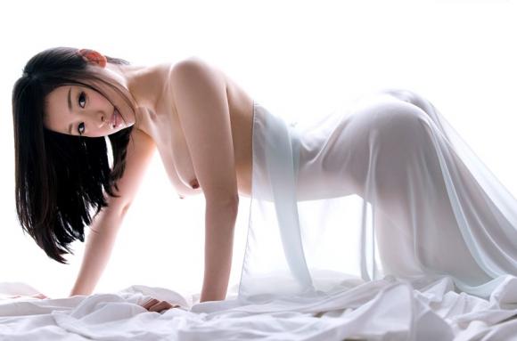 【エロ動画】神乳首を持つグラドル「宇田あんり」ちゃんのおっぱいヌード動画!01_201610261227290c5.png