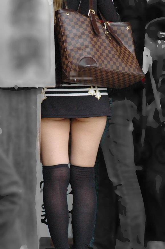 タイトスカートを履いてる女のケツがくっそエロいwwwwwww【画像30枚】01_201701181644402ff.jpeg