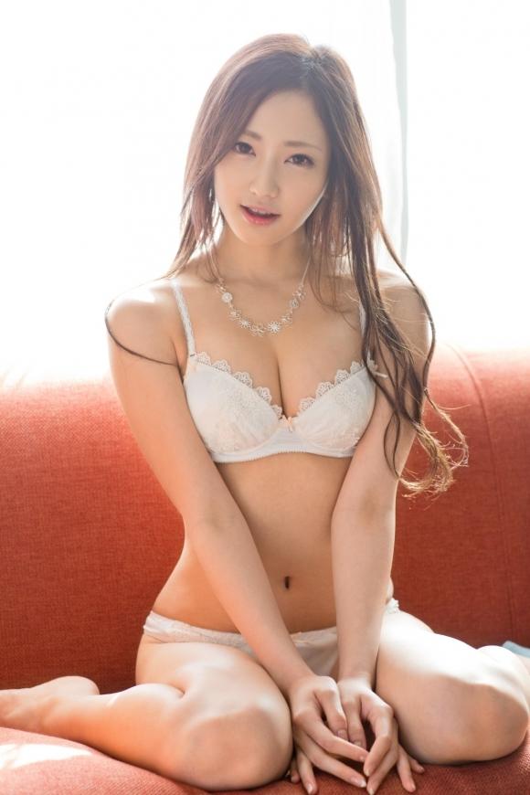 可愛い女の子なら裸じゃなくて下着姿で十分満足ですwwwwwww【画像30枚】