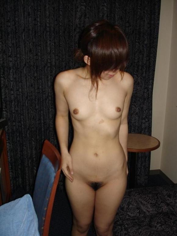 【流出画像】ラブホ内で気が緩んで裸を彼氏に撮らせちゃってる場合は事後流出に要注意wwwwwww【画像30枚】 表紙