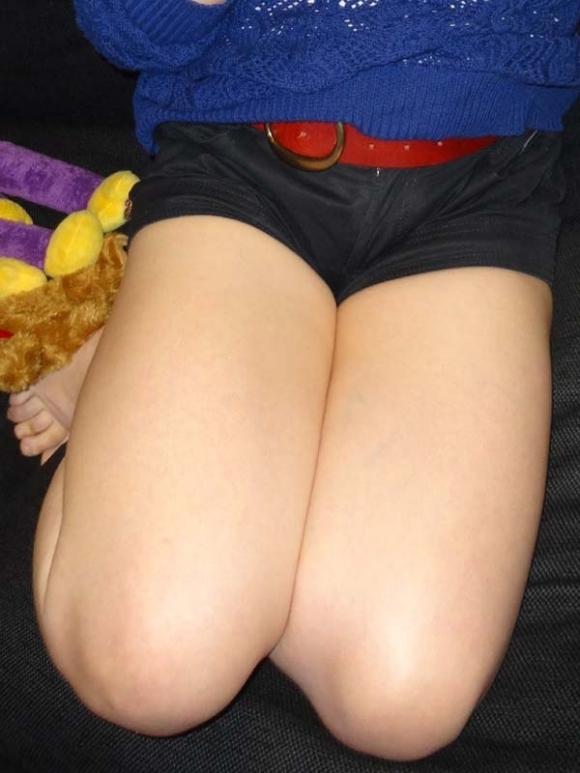 正座してる女の子の太もものエロさが凄いwwwwwww【画像30枚】01_20170617021001505.jpeg