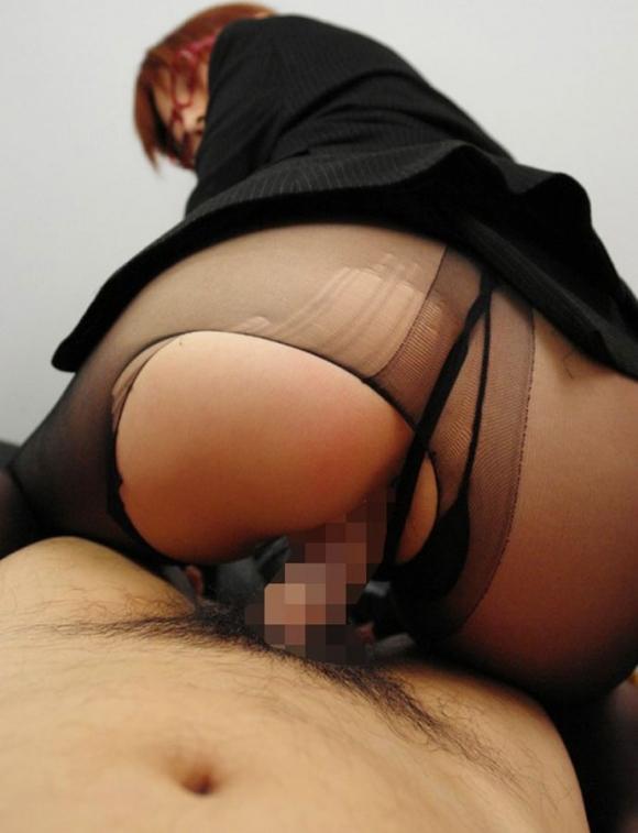 男だったらパンスト着用セックスに1度は憧れるよなwwwwwww【画像30枚】01_20170921123650d53.jpg