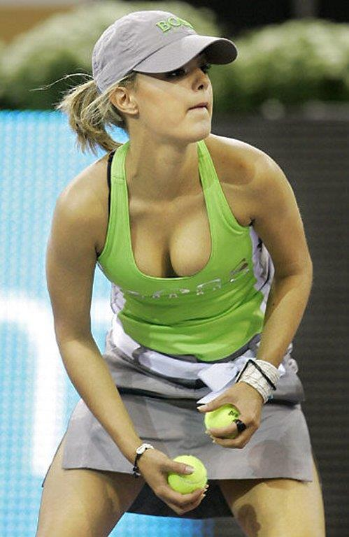 女子プロテニス選手のおっぱいが相当エロいと話題な件!wwwwwww020_20161002020559d1c.jpg