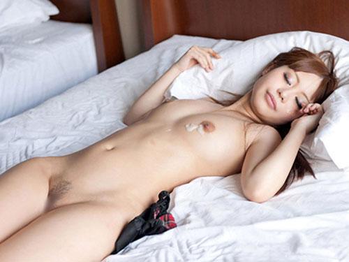 セックスに没頭しすぎて放心状態になっちゃってる女の子の様子がエロすぎてたまらないwwwwwww【画像30枚】022_201609280149196b2.jpg