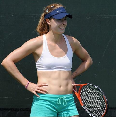 女子プロテニス選手のおっぱいが相当エロいと話題な件!wwwwwww024_20161002020730d4b.jpg