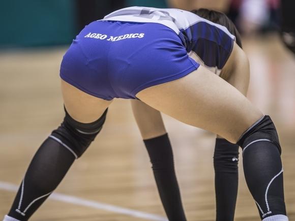 女子バレーボール選手のお尻ってこんなにエロかったんだwwwwwww【画像30枚】02_20170616041043525.jpeg