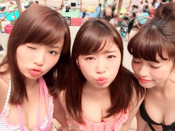 東京サマーランドに行くのがワクワクする素人の水着キャピキャピ画像wwwwwww【画像30枚】03_20170902021159c11.jpg