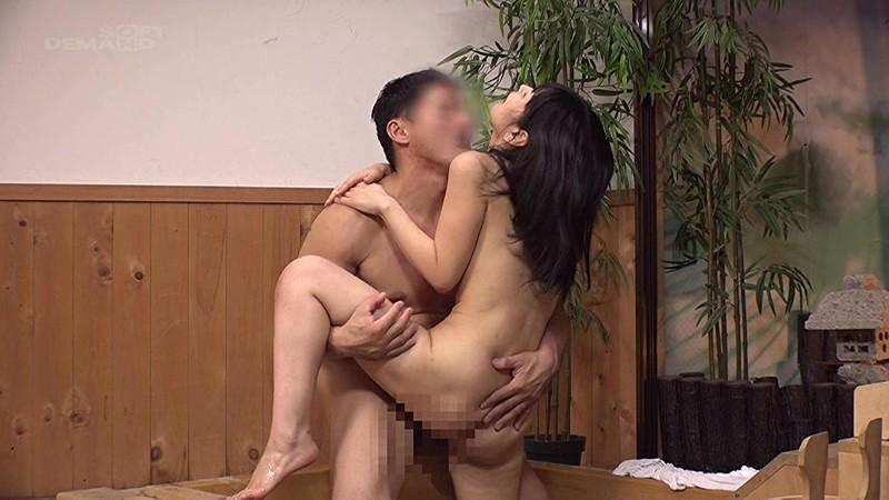 【エロ動画】巨乳人妻とデカチン男子を混浴温泉で2人きりにしてみた結果wwwww04_2016112501162300e.png