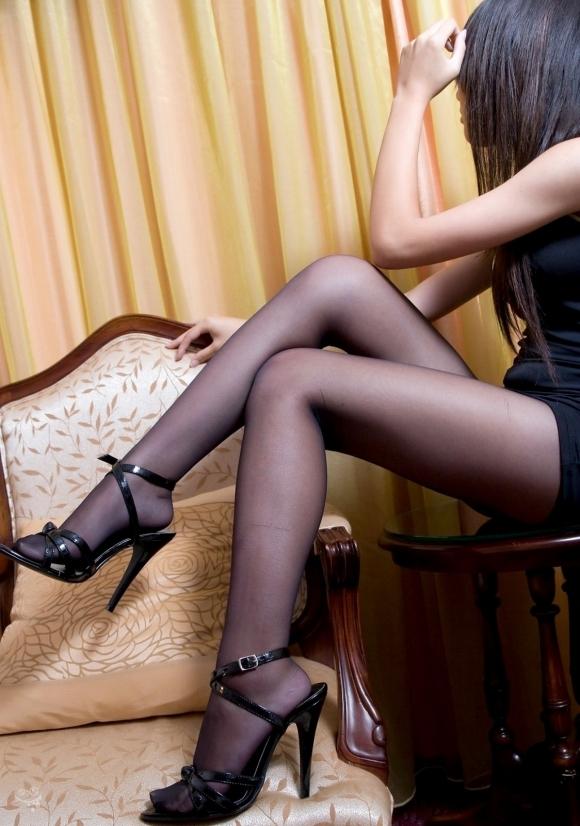 裸よりエロい!フェロモンがプンプンしてくる黒ストッキングの女の子wwwwwww【画像30枚】04_20170914021242a11.jpg
