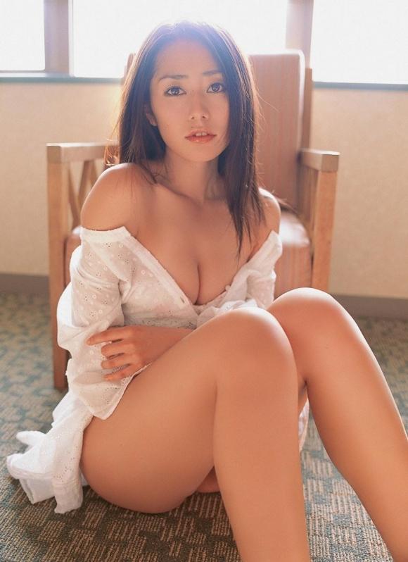 おっぱいのカタチが素晴らしい!「谷桃子」ちゃんのセクシーグラビア!【画像30枚】05_20160901162642787.jpg