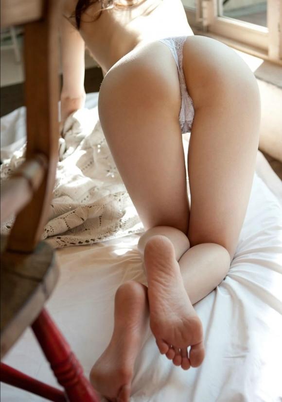 【足裏フェチ】女の子の足の裏にムラムラしちゃうヤツちょっとこいwwwwwww【画像30枚】05_20170618143021c67.jpeg