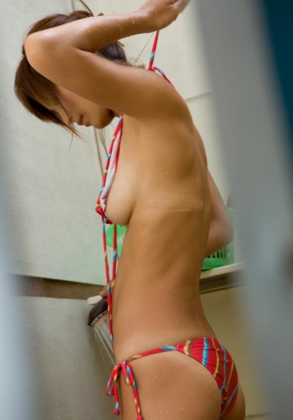 【おっぱい】こうやって横から見るヨコ乳アングルがサイコーすぎるwwwwwww【画像30枚】06_20160829234653d5e.jpg