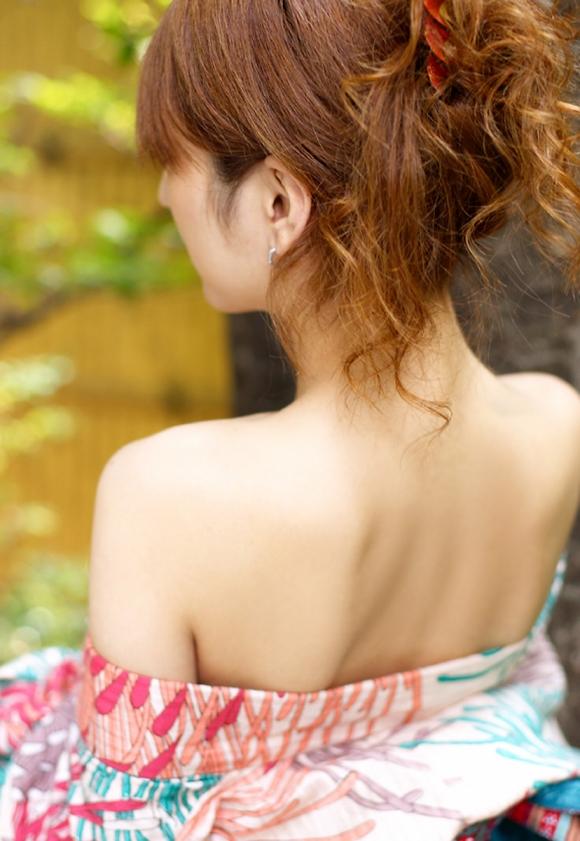 【フェチ】女の子の背中がゾクゾクする程エロスを感じる画像をくださいwwwwwww【画像30枚】06_201608300006165ec.jpg