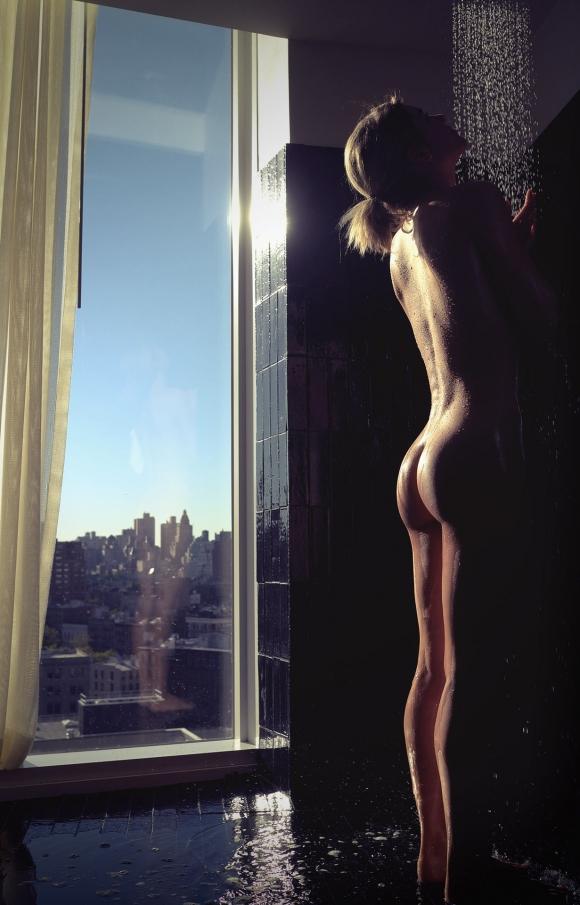 【芸術的ヌード】うっとりする程美しい女体がコレwwwwwwwwwww【画像30枚】06_2016083102000334b.jpg