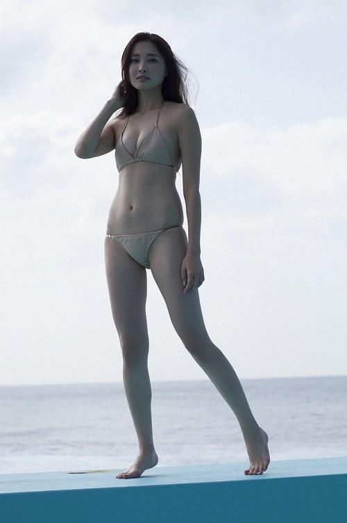 業界大注目モデル「大石絵里」ちゃんの美乳グラビア画像!06_20160915135526514.jpg