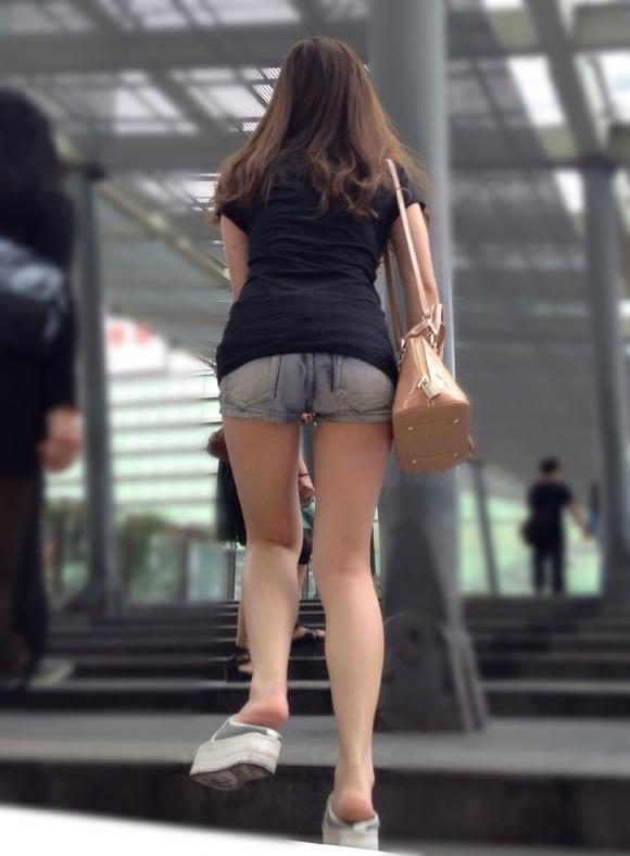 ホットパンツって刺激が強すぎるから街中で見たときにおっき注意なwwwwwww【画像30枚】06_20170613080040a3c.jpeg