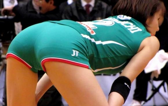 女子バレーボール選手のお尻ってこんなにエロかったんだwwwwwww【画像30枚】08_20170616041051b26.jpeg