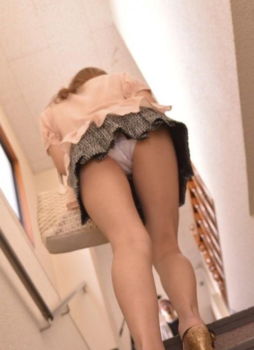 階段で女の子を追っていくと面白いようにパンチラ画像が集まるwwwwwww【画像30枚】08_20170822021412621.jpg