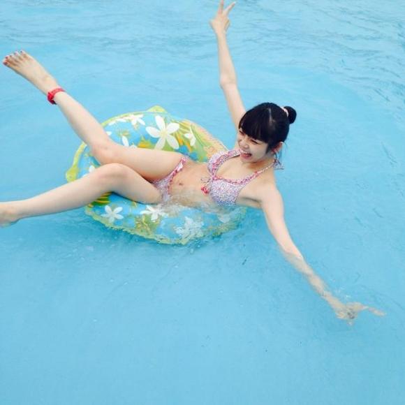 戦隊シリーズ出演美少女「山谷花純」ちゃんのスレンダーボディのグラビア画像!09_2016102418274253e.jpg