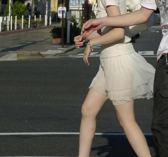 猛暑ならではの素人女子の薄着姿がエロいwwwwwww【画像30枚】09_20170713103609b13.jpeg