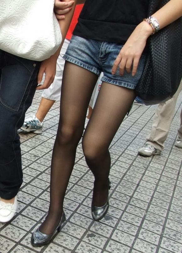 裸よりエロい!フェロモンがプンプンしてくる黒ストッキングの女の子wwwwwww【画像30枚】10_20170914021251a5f.jpg