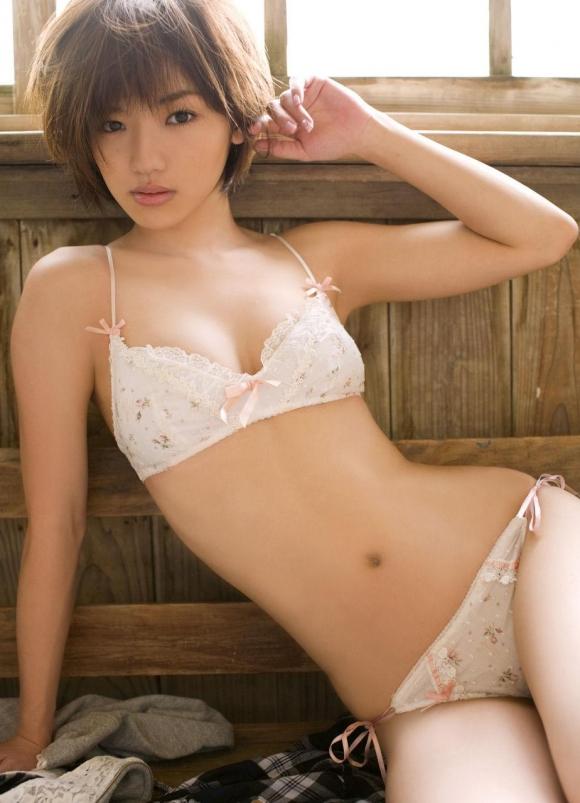 Eカップグラドル「松嶋初音」ちゃんのセクシー画像集めました!【画像30枚】11_20160916011358c0c.jpg