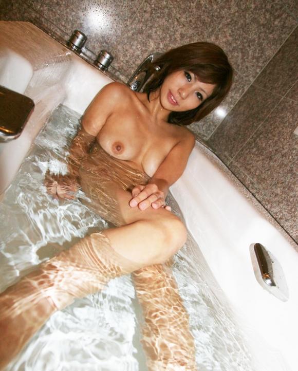 お願いですwww美女がお風呂に入ってる画像をくださいwwwwwww【画像30枚】11_20170319124718400.jpeg