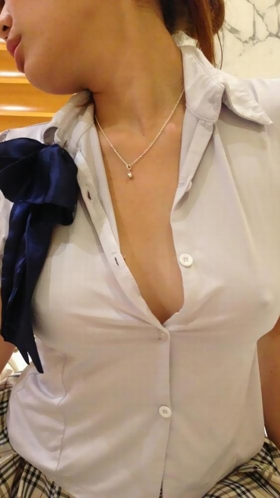 ノーブラ乳首ポッチの女の子がエロいwwwwwww【画像30枚】11_20170801020339bee.jpeg
