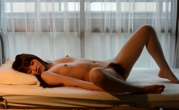 【芸術的ヌード】うっとりする程美しい女体がコレwwwwwwwwwww【画像30枚】12_201608310200455f4.jpg