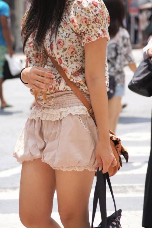 猛暑ならではの素人女子の薄着姿がエロいwwwwwww【画像30枚】12_201707131041520c3.jpeg
