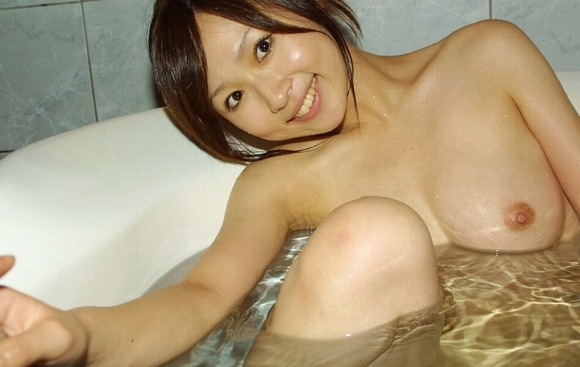 【素人カップル画像】お風呂で彼女とイチャイチャできるリア充が羨ましすぎる!wwwwwww【画像30枚】13_20170905155628214.jpg