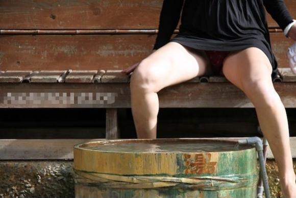 パンチラか生脚目当てで足湯行くヤツ絶対いるだろwwwwwwwwwww15_20170903014240074.jpg