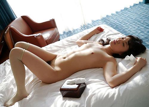 セックスの事後の女の子の放心状態な姿ってなんかエロくね?wwwwwww18_2016122302002071c.jpg