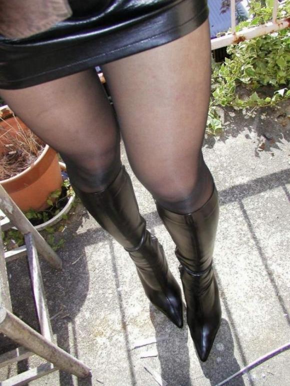 裸よりエロい!フェロモンがプンプンしてくる黒ストッキングの女の子wwwwwww【画像30枚】18_20170914021450505.jpg
