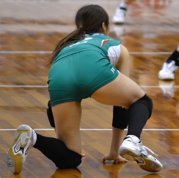 女子バレーボール選手のお尻ってこんなにエロかったんだwwwwwww【画像30枚】21_2017061604124598a.jpeg