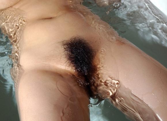 陰毛フェチが喜ぶ女の子のマン毛画像を集めましたwwwwwww【画像30枚】24_2017072602011420d.jpeg