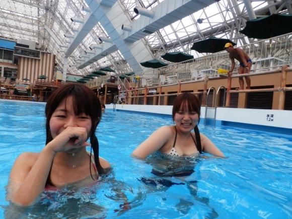 東京サマーランドに行くのがワクワクする素人の水着キャピキャピ画像wwwwwww【画像30枚】24_20170902021435bf6.jpg
