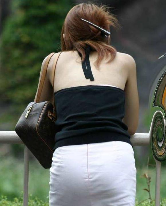 猛暑ならではの素人女子の薄着姿がエロいwwwwwww【画像30枚】26_20170713104312d66.png