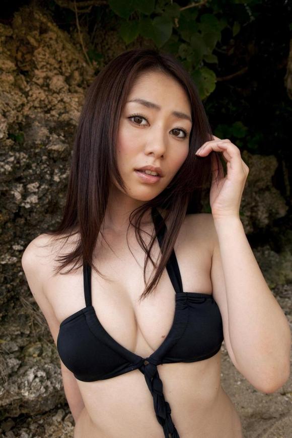 おっぱいのカタチが素晴らしい!「谷桃子」ちゃんのセクシーグラビア!【画像30枚】27_201609011630428fd.jpg