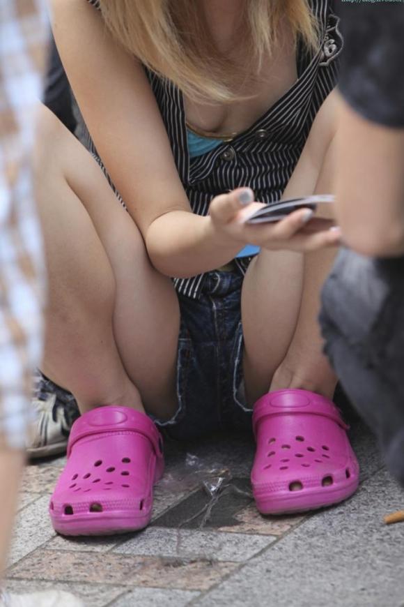 ショーパンとかホットパンツとかから大事なモノが見えちゃってる女の子ってwwwwwww【画像30枚】27_20170707145054913.jpeg