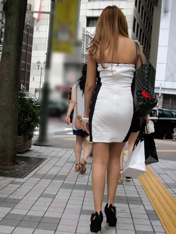 猛暑ならではの素人女子の薄着姿がエロいwwwwwww【画像30枚】28_20170713104314a67.jpeg