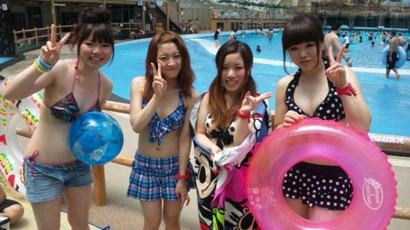 東京サマーランドに行くのがワクワクする素人の水着キャピキャピ画像wwwwwww【画像30枚】28_201709020214410dc.jpg