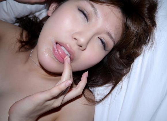 エッチな白い液をお口いっぱいに出しちゃう口内発射が快感すぎてやめられないwwwwwww【画像30枚】29_201610180002588b8.jpg