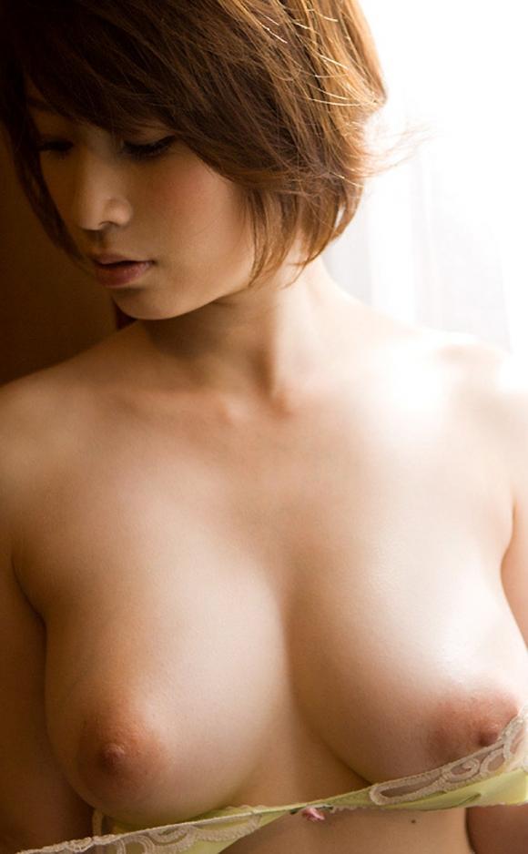 うっとりみとれちゃうわぁーwwwサイコーに綺麗な美乳おっぱいを貼ってくwwwwwww【画像30枚】29_2016102823130048e.jpg