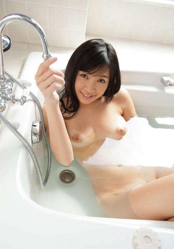 お願いですwww美女がお風呂に入ってる画像をくださいwwwwwww【画像30枚】29_20170319124845566.jpeg