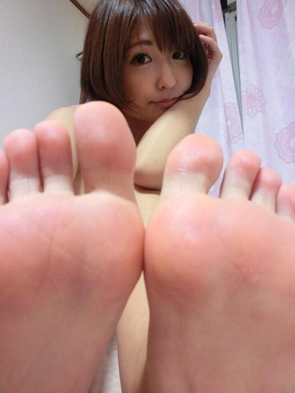 【足裏フェチ】女の子の足の裏にムラムラしちゃうヤツちょっとこいwwwwwww【画像30枚】29_201706181433180db.jpeg